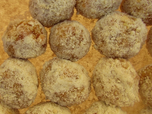 apricot and ginger energy balls 2
