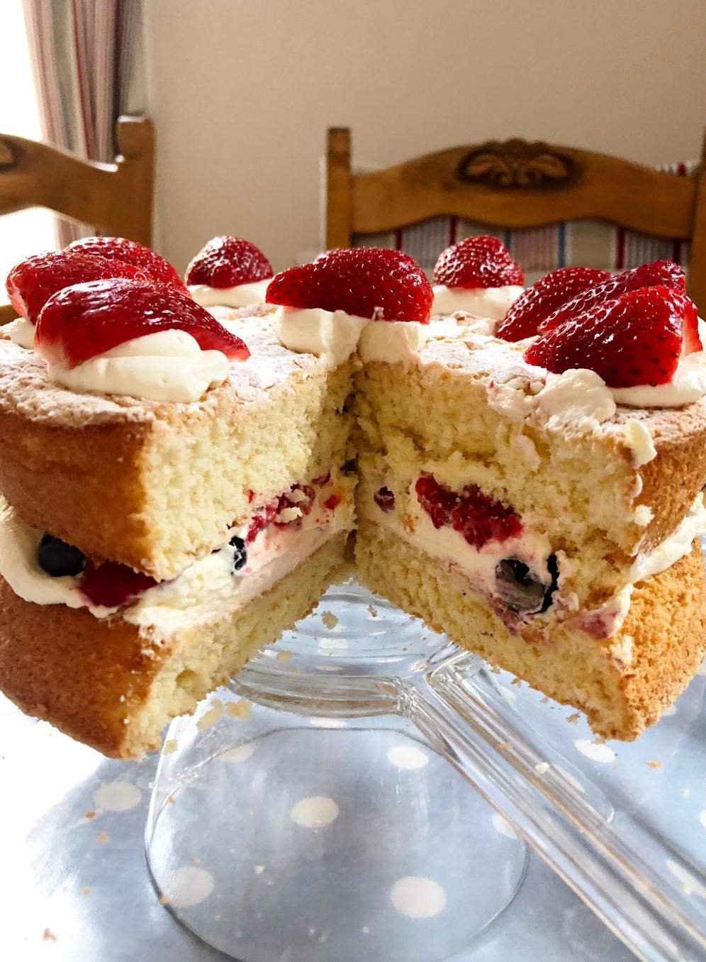 berry_cream_sponge_threeQ
